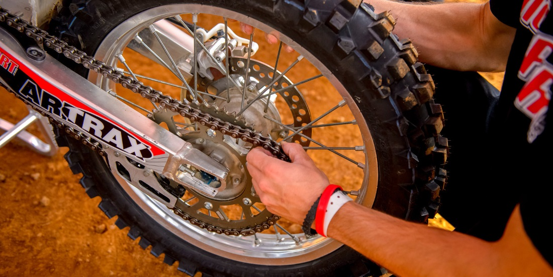 Dirt Bike Chain Tension Changing And Adjusting Motosport